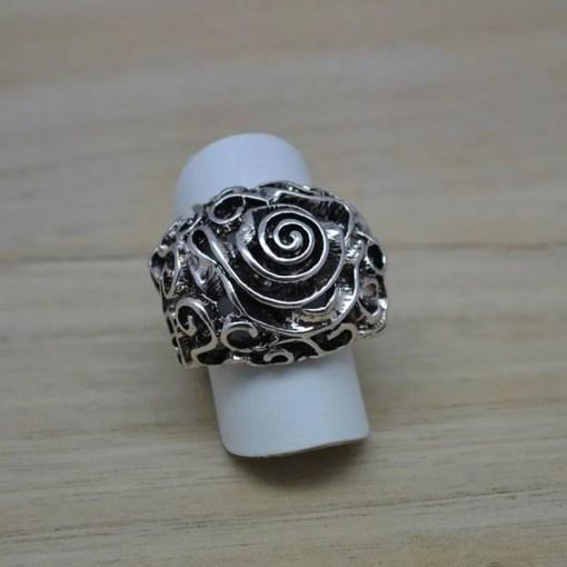 Elastische ring Trento retro flower - Trendy Juweeltjes