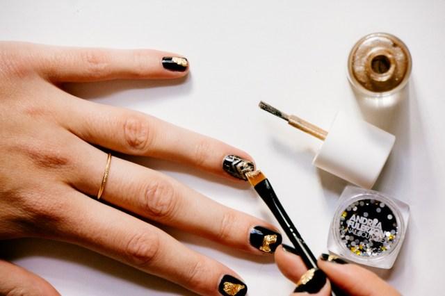 Black and Gold Nail Art -5