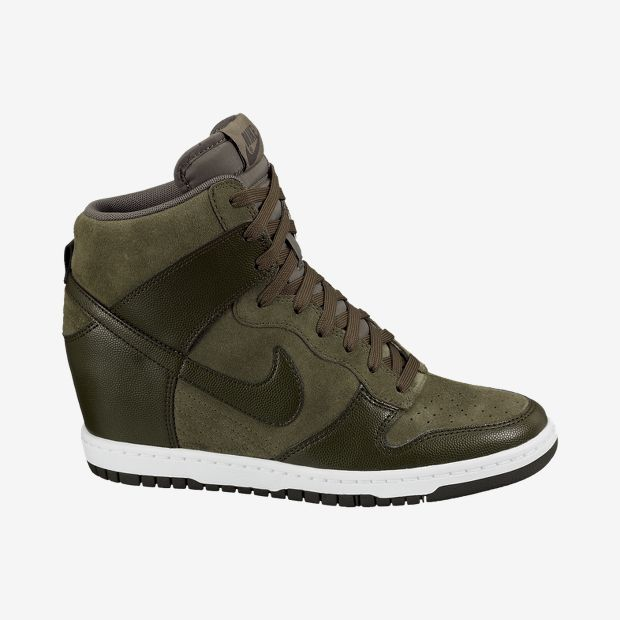 Nike-Dunk-Sky-Hi-Womens-Shoe-528899_301_A