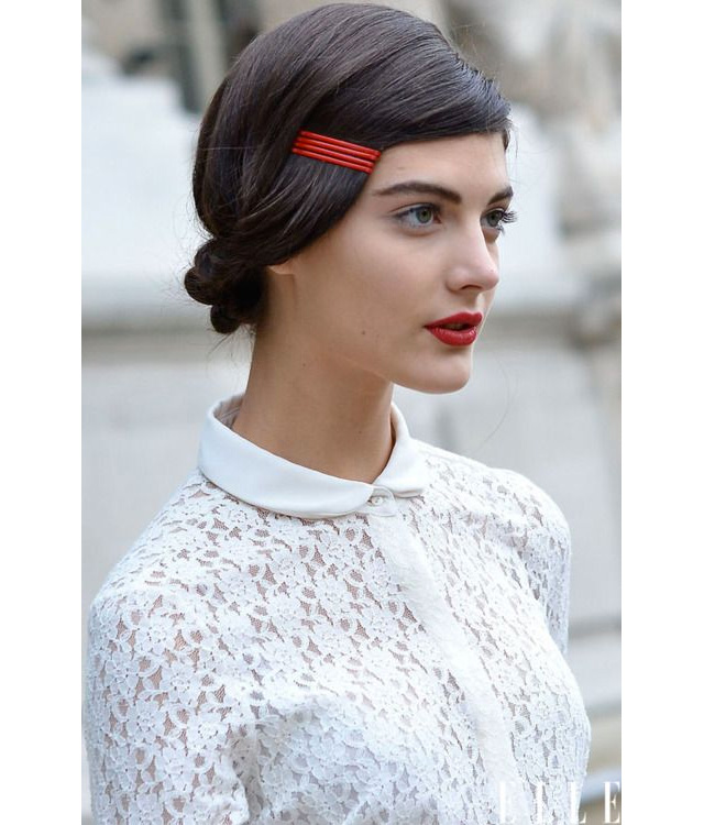 frange-barrettes-rouges