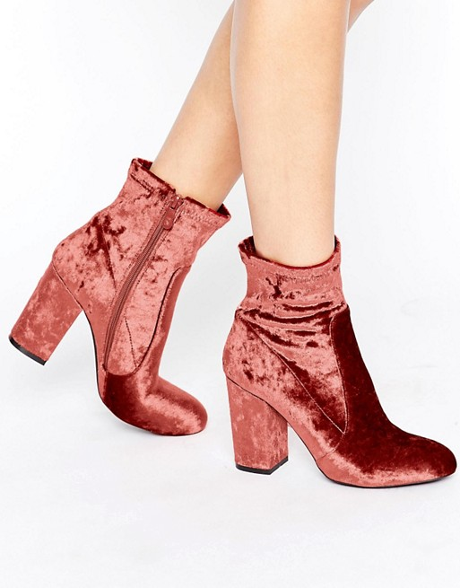 Bottines en velours rouge Asos