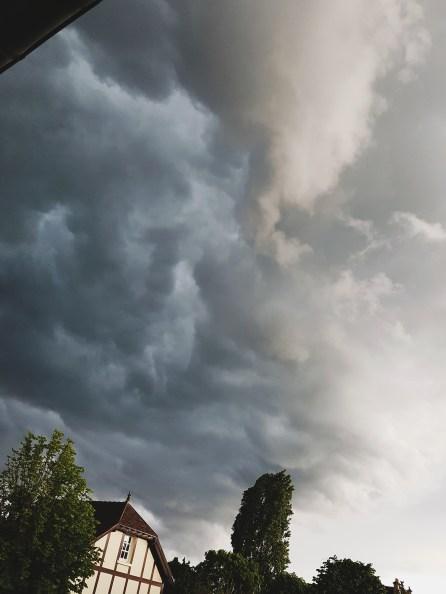 Ciel d'orage à Fontainebleau