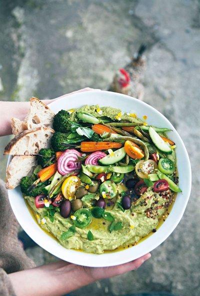 Hummus harvest bowl - Karoline Jönsson