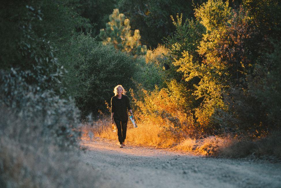 Marcher après le travail - Slow Business - 10 conseils pour intégrer la slow life au bureau - Trendy Mood