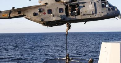 News Migranti: gommone con 20 a bordo,3 salvi – Ultima Ora