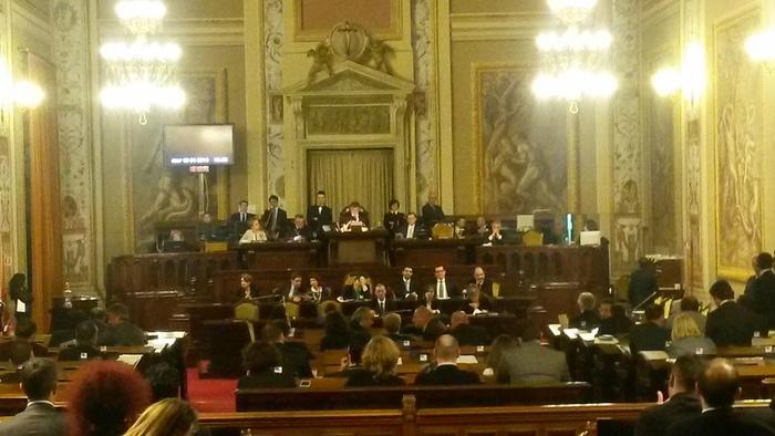 Sicilia: buco 1 mld,ipotesi blocco spesa