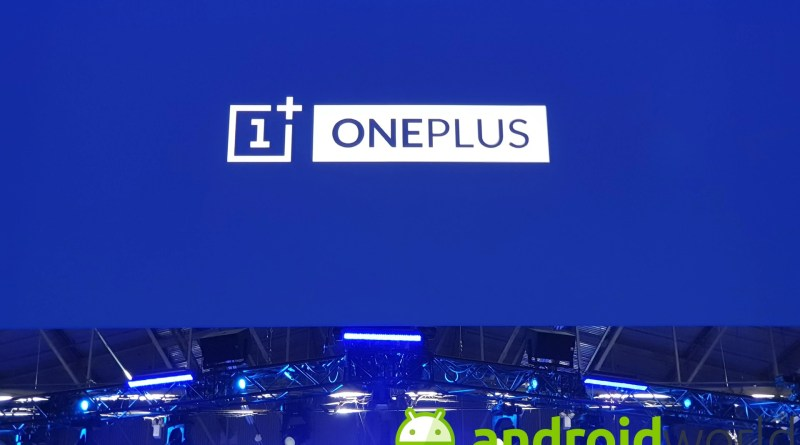 OnePlus mostra le magie del suo Fluid Display a 120 Hz anche sui video a 30fps (video)