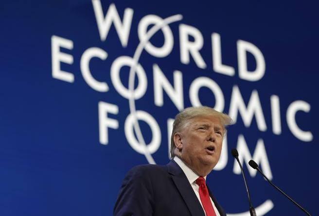 Trump a Davos: «L'America vince di nuovo, mai l'economia così forte»