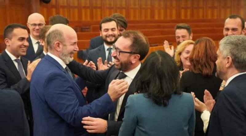 Governo, Bonafede eletto per acclamazione capo della delegazione cinquestelle