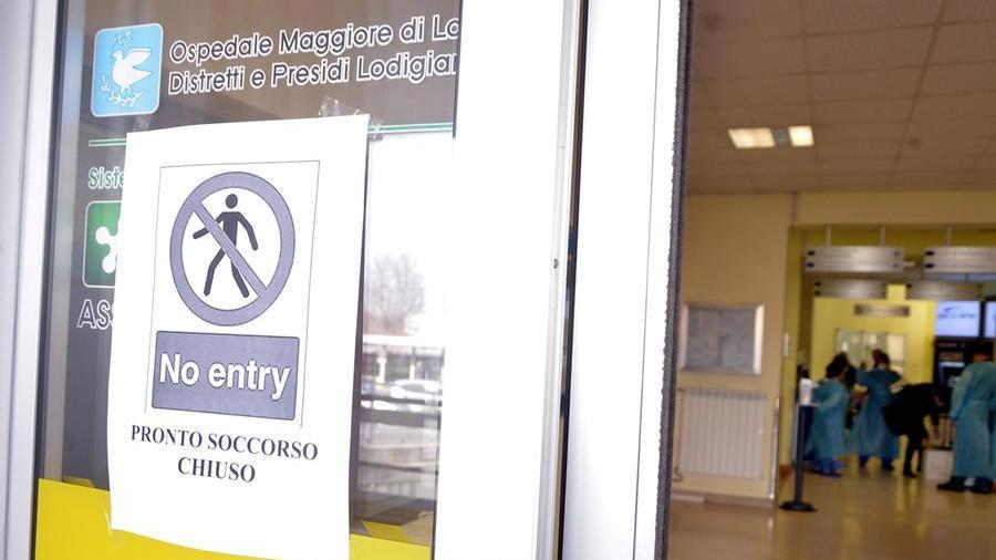 Coronavirus, 50 mila persone isolate: il focolaio in Lombardia spaventa l'Italia