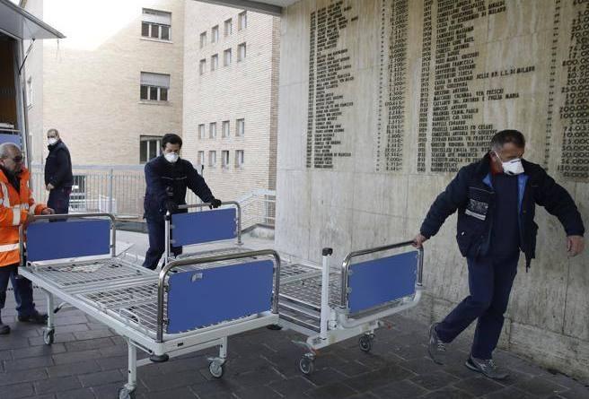 Coronavirus Lombardia, l'ospedale di Codogno: «Siamo al terzo turno consecutivo»