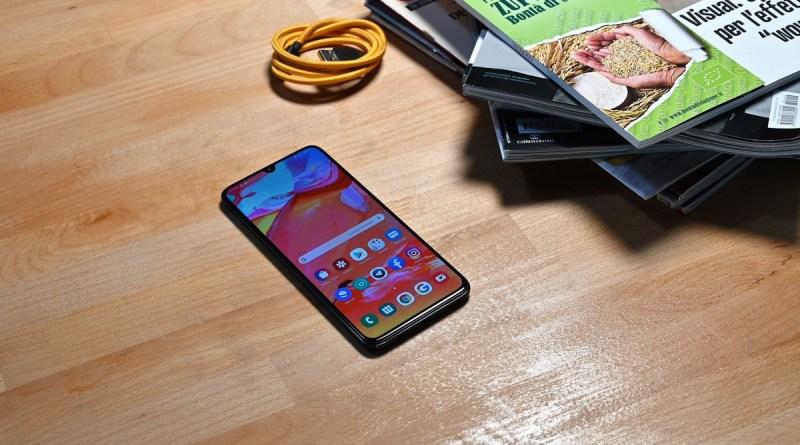Samsung Galaxy A70, l'aggiornamento ad Android 10 si avvicina