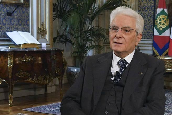 Mattarella, messaggio agli italiani: «Periodo travagliato, lo supereremo insieme»