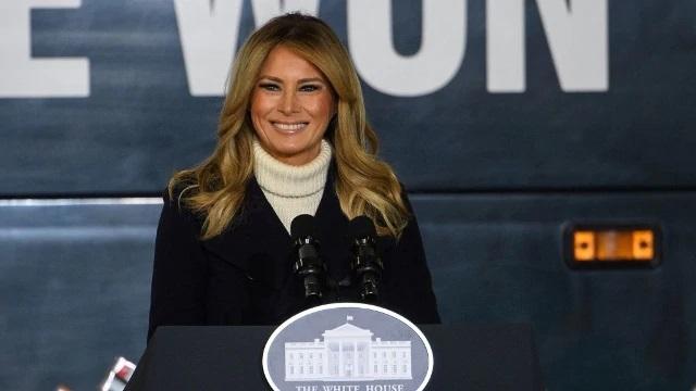 """L'addio di Melania Trump: """"L'onore più grande della mia vita"""""""