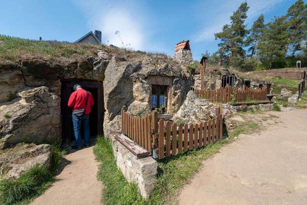 Vivere come gli Hobbit: il borgo tedesco che sembra uno scorcio della Terra di Mezzo