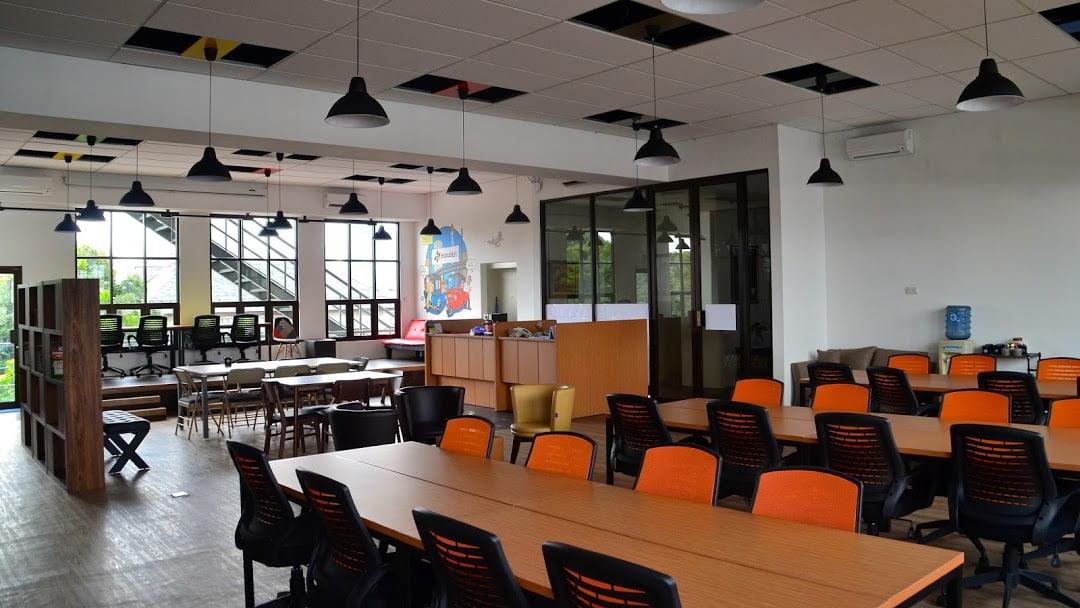 Estubizi Coworking Space Jakarta