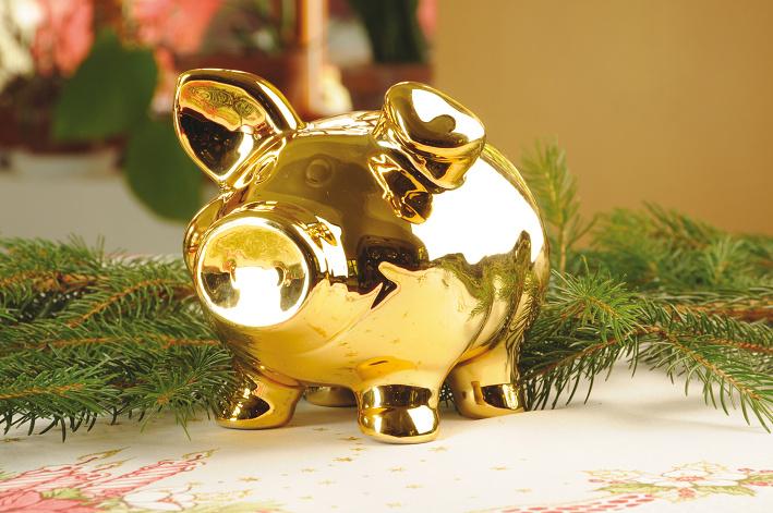 Golden-Pig-Christmas-Tradition-Czech-Tres-Bohemes