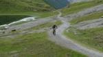 Poco prima del Passo Alpisella tutti in fila.
