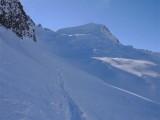 Il Piz Pian Grand 2689 m oltre la Bocca di Rogna versante N.