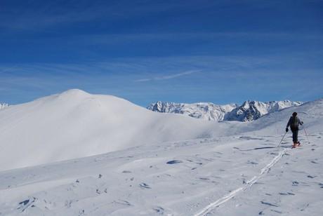 Verso il Monte Pagano 2348 m nell'ultimo tratto sulla dorsale.