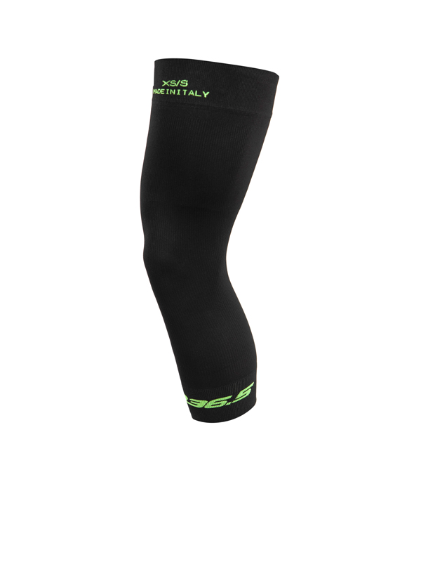 SunAir-Knee-Cover-black-side