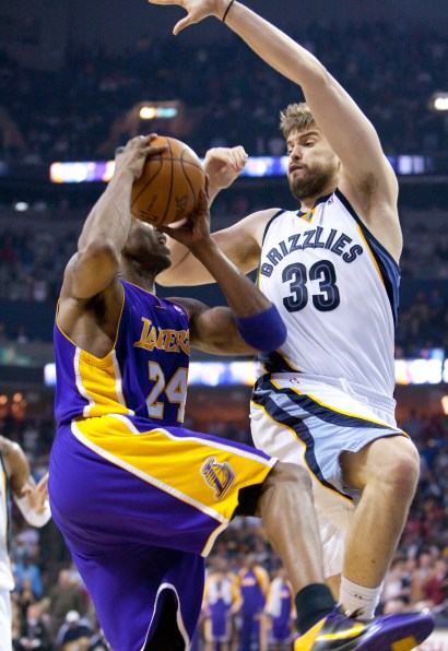 Lakers_Grizz_2010_0903.jpg?fit=1452%2C2112