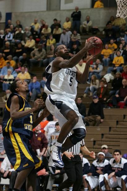 Trevor_Ruszkowski_Photos_basketball_2012_0004.jpg?fit=660%2C990