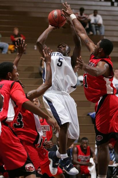 Trevor_Ruszkowski_Photos_basketball_2012_0009.jpg?fit=660%2C990