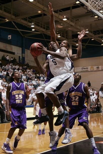 Trevor_Ruszkowski_Photos_basketball_2012_0029.jpg?fit=660%2C990&ssl=1
