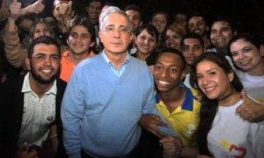 Álvaro Uribe poses with supporters after the result of the referendum Photograph: STR/AFP/Getty Images