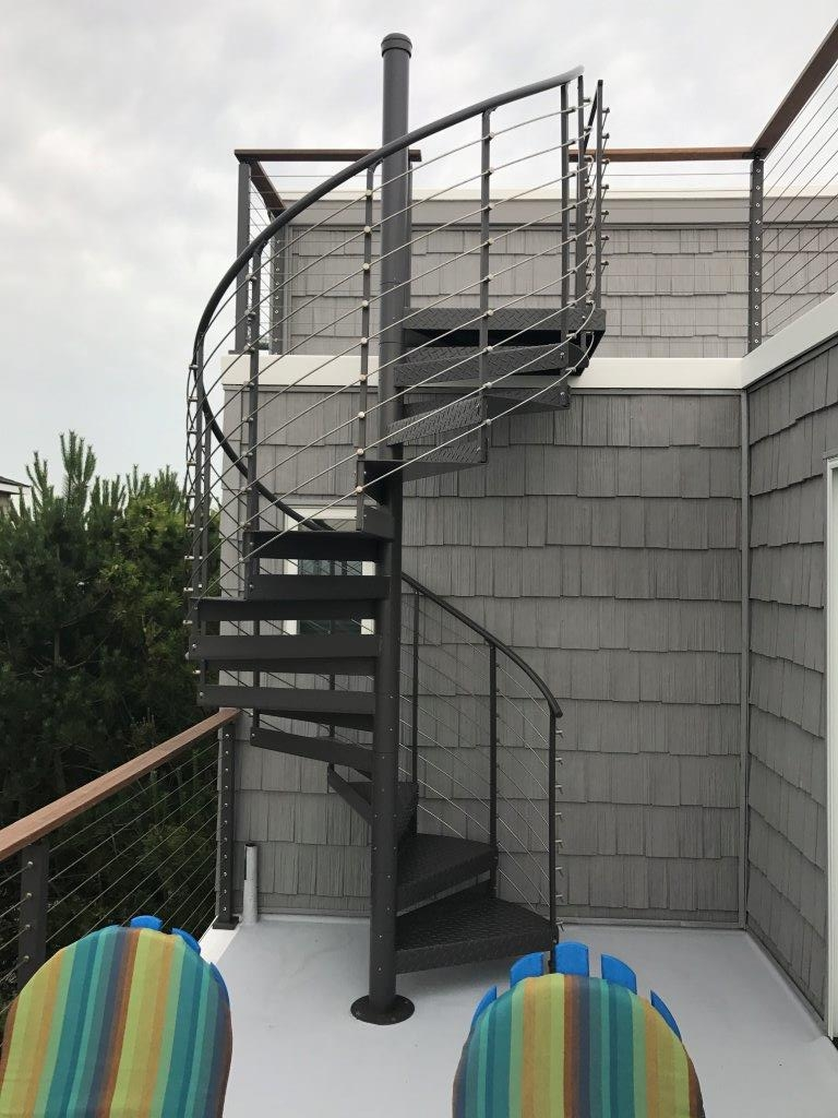 Trex® Spiral Stairs™ Introduces New Multi Line Railing System | Round Stairs Railing Design | Metal | Silver | Loft | Stainless Steel | Brown