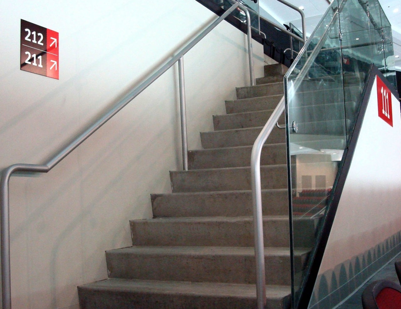 Griprail Commercial Metal Handrails Trex Commercial Products   Aluminium Handrails For Stairs   Outdoor   Plastic   Movable   Aluminum Oval Shaped   Vertical 6Mm Ss Rope Glass
