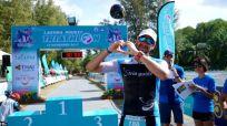 Glücklich im Ziel - (c) Kevin Mackinnon/triathlonworld.com