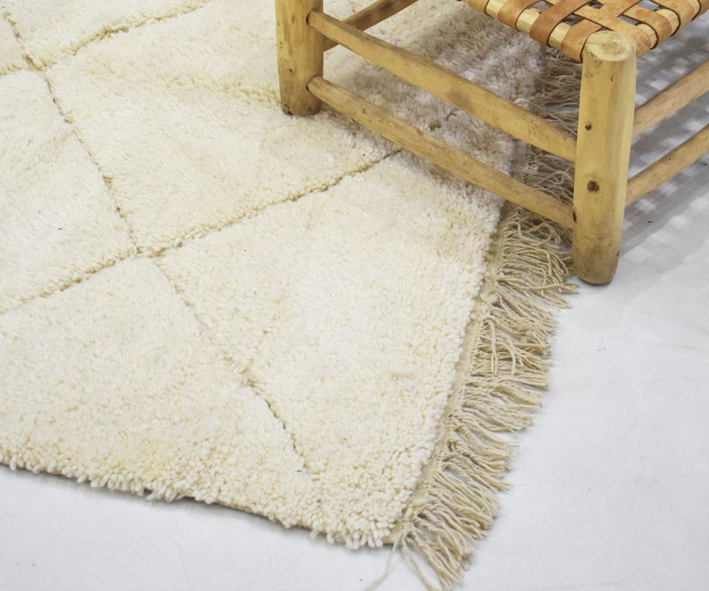 tapis berberes blancs unis et
