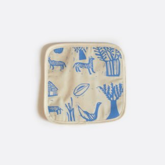 Art-I-San textile potholder in cream and blue