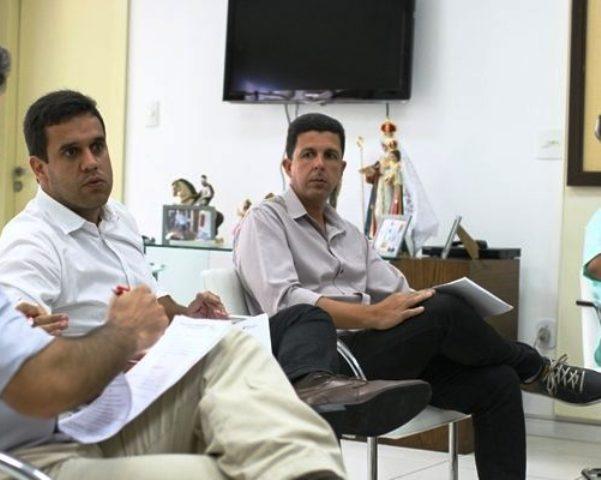 Rafael Diniz agora propõe 4,18% para o servidor