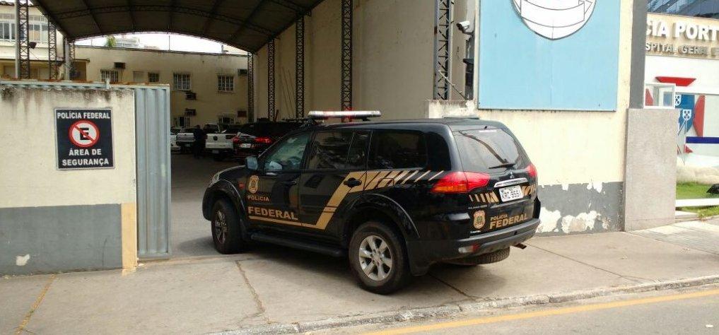 Polícia Federal cumpre mandados em Campos