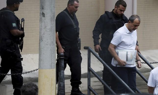 Cabral depõe na Polícia Federal
