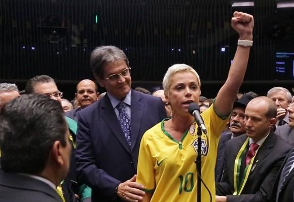 Ministro do STJ decide manter prisão de Cristiane Brasil