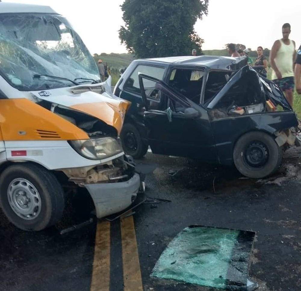 Dois jovens morrem em acidente na RJ-202, em Itaperuna