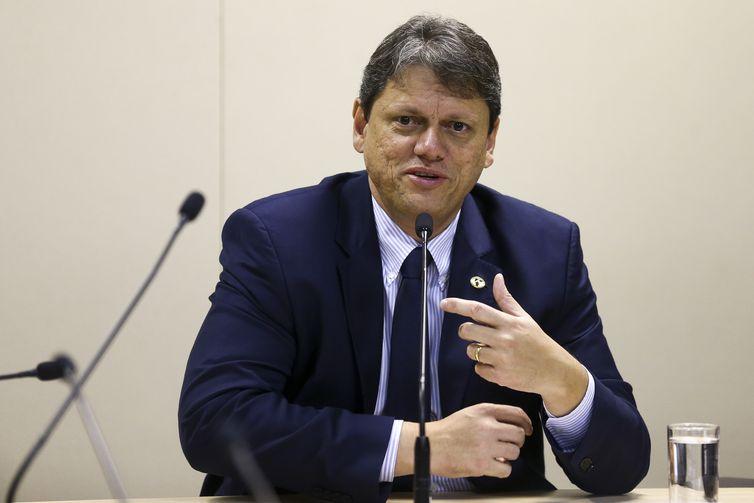 Ministro pede que ANTT suspenda novas regras para frete mínimo