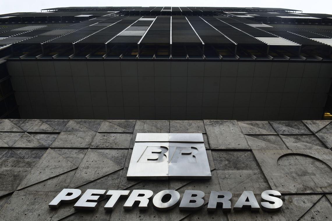 Petrobras adota cautela diante de alta do petróleo após ataques a sauditas, diz fonte