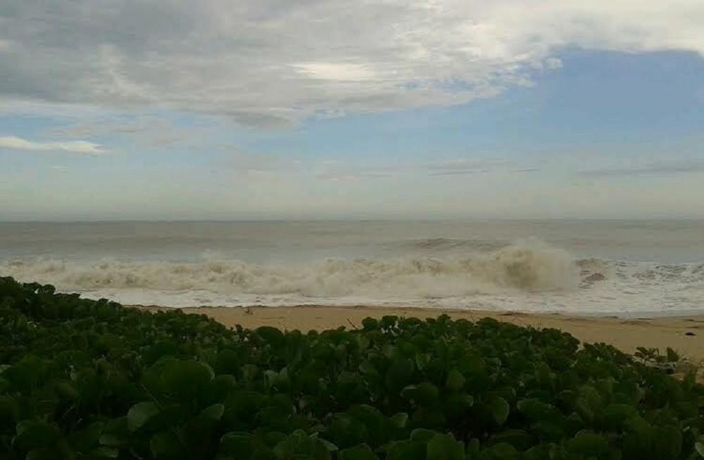 Farol tem previsão de ressaca com ondas de até 2,90m nesta quarta