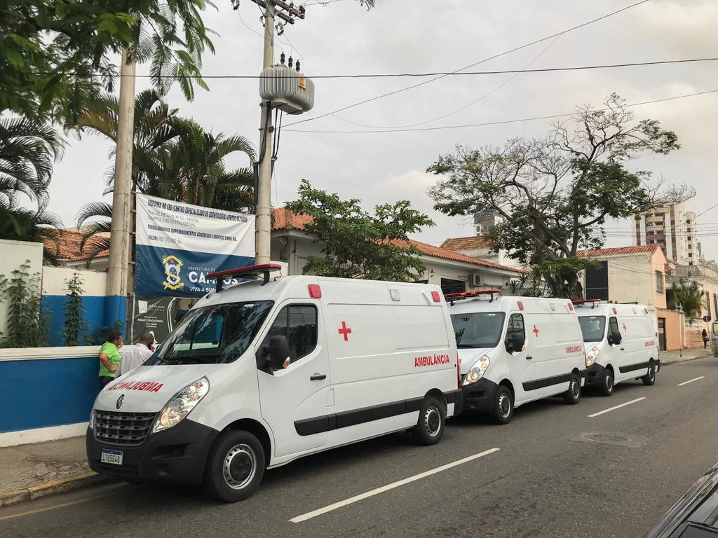 Saúde recebe três UTIs móveis 0km para UPHs do Farol, Santo Eduardo e Ururaí