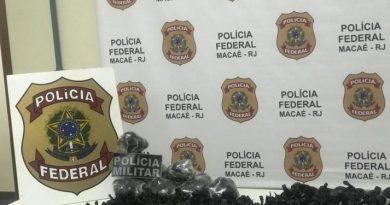 Polícia Federal apreende cerca de 6 mil papelotes de cocaína em Macaé/RJ