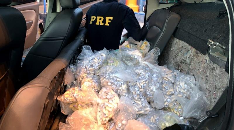 PRF apreende mais de R$ 150 mil em drogas na BR-101
