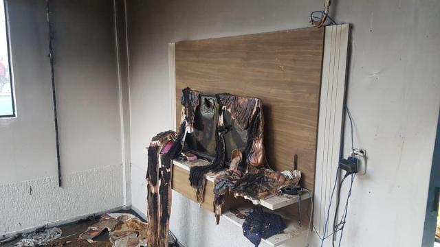 Decretado sigilo nos inquéritos que apuram morte de jovem que teve quarto incendiado em RO