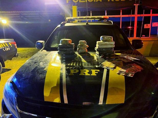 Casal é preso com R$ 400 mil em cocaína durante abordagem da PRF na BR-364