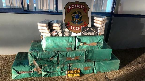 Avião com 324 kg de cocaína é interceptado pela FAB e PF em Machadinho (RO)