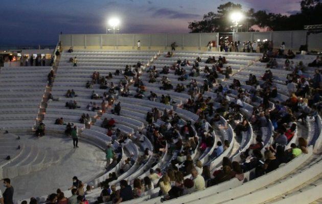 Άνοιξαν τα θέατρα – Οι νέες παραγωγές και οι επετειακές παραστάσεις